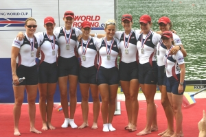 2006 Lucerne World Cup - Erin is in center with sunglasses on her head